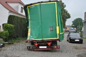 Schaden Begutachtung bei LKW Heck - Kfz-Sachverständige Dresden